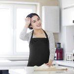 Esonmus - Tablier en polyester pour adultes avec sangle réglable pour le cou et 2poches - Pour la cuisine, un restaurant, un barbecue, le jardinage - Unisexe Noir de la marque Esonmus image 3 produit